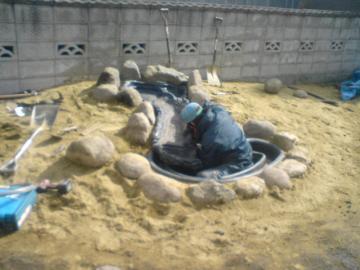 K保育園池石組