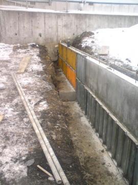 土留コンクリート型枠解体