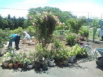 八戸T様邸ガーデンリフォーム始まりました。