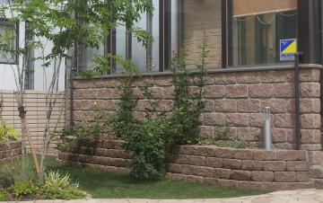 つるバラのフェンス デザイントレリス
