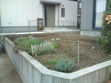 八戸 E様邸ガーデンテラス工事始まります。